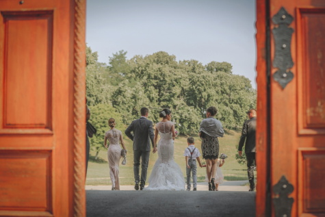 bride, wedding, children, groom, familiar, people, woman, veil, door, man
