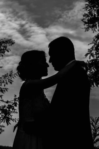 silhouette, la mariée, jeune marié, baiser, étreindre, amour, étreinte, homme, romance, mariage
