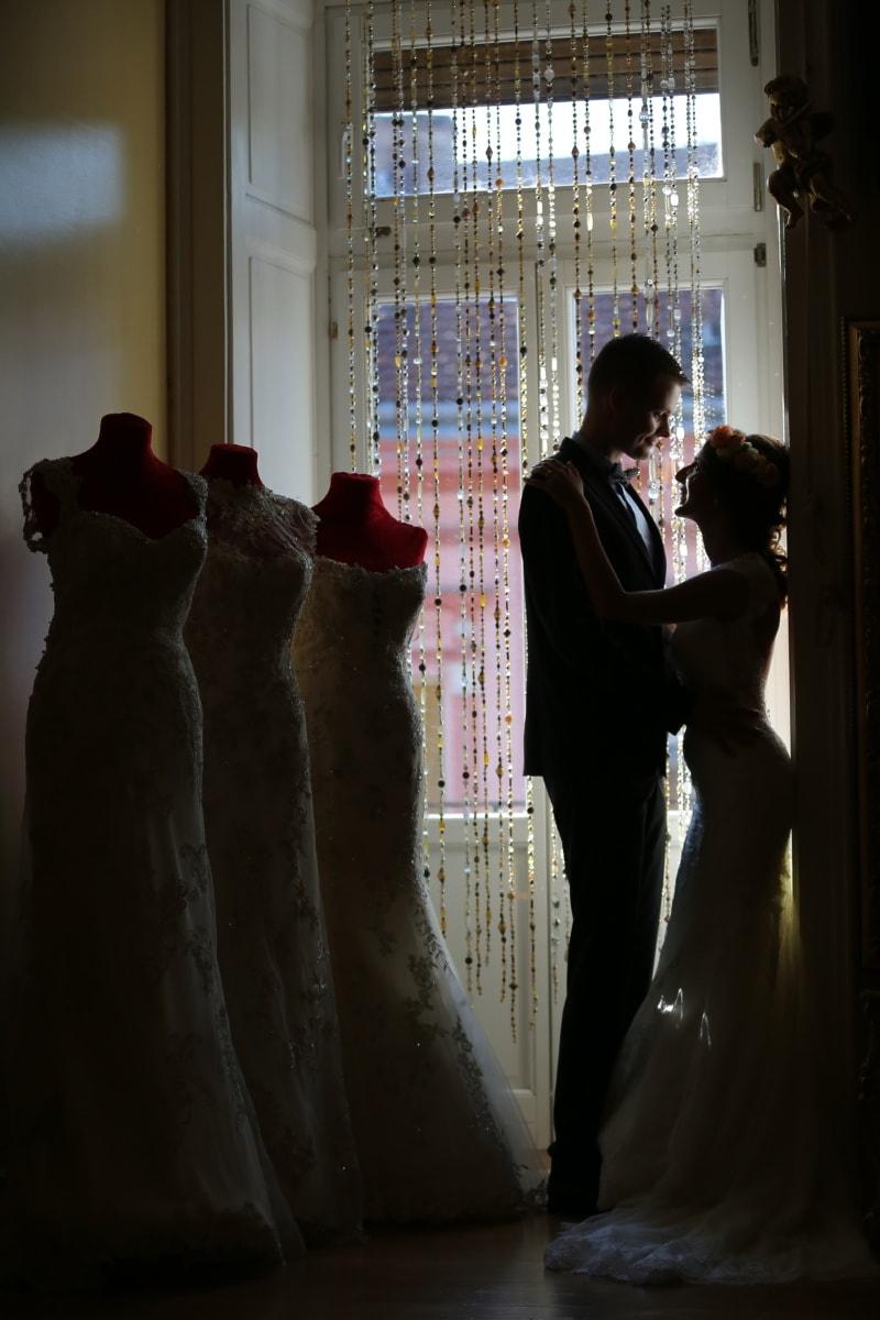 Hochzeitskleid, Shop, Wohnzimmer, Eleganz, Bräutigam, Mode, Umarmung, Liebe, Braut, Menschen