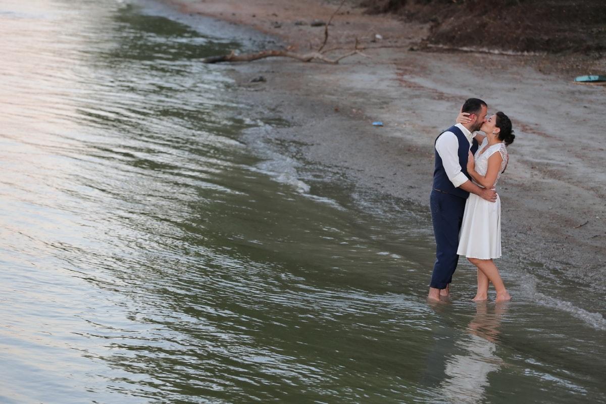 Liebe, Wasser, Kuss, Flussufer, Strand, Fluss, Menschen, Mädchen, Flut, Mann