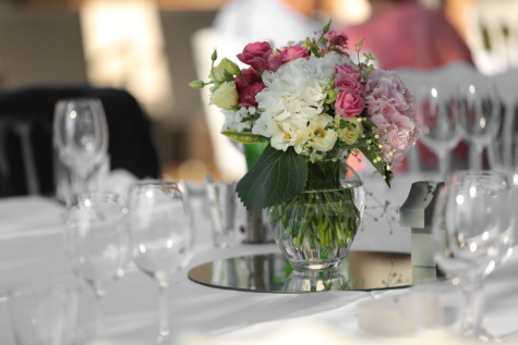 crystal, vase, glass, tablecloth, table, cutlery, dining, elegant, silverware, reception