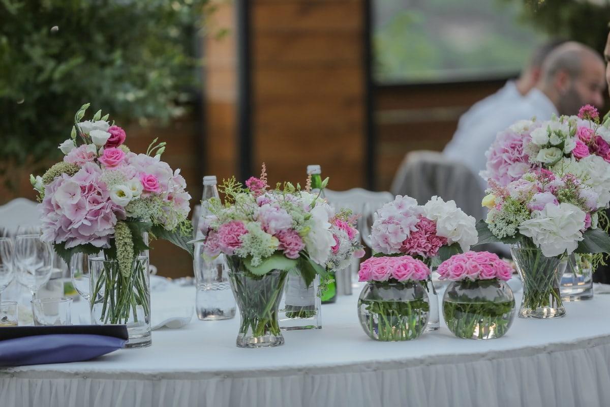 Kristall, frisches Wasser, Vase, Rosen, Eleganz, Event, Zeremonie, Hochzeit, Blumenstrauß, Anordnung