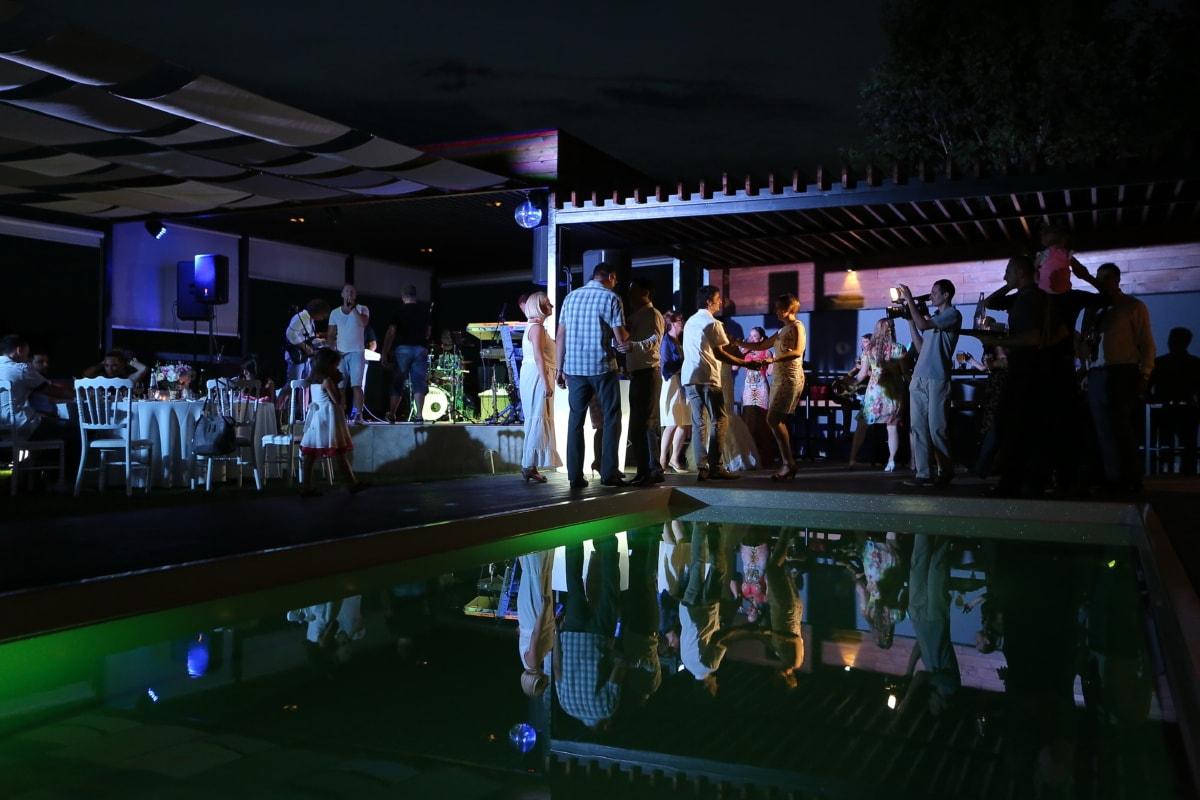 partito, locale notturno, persone, vita notturna, piscina, concerto, prestazioni, musica, Festival, banda