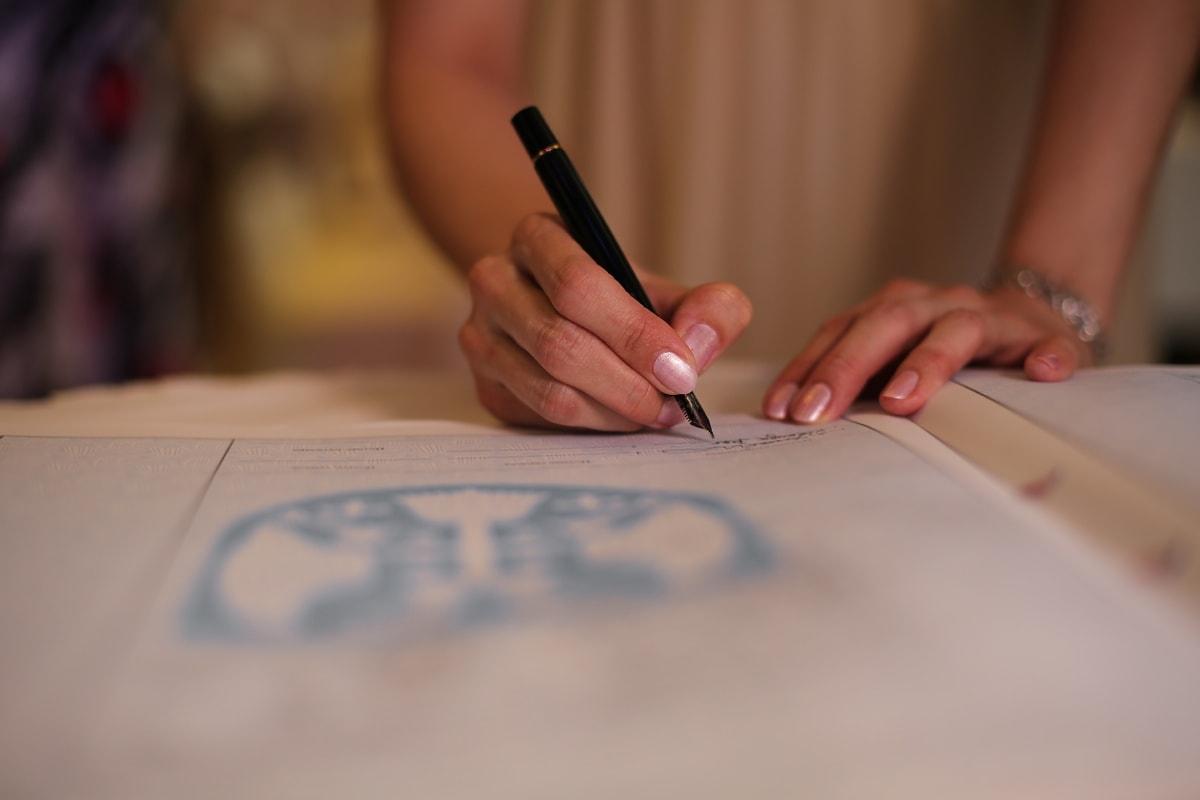 Zeichen, Dokument, Schreiben, Signatur, Bleistift, Geschäft, Hand, Papier, Büro, Frau