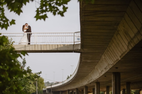 love, gentleman, kiss, lady, bridge, hugging, architecture, building, structure, city