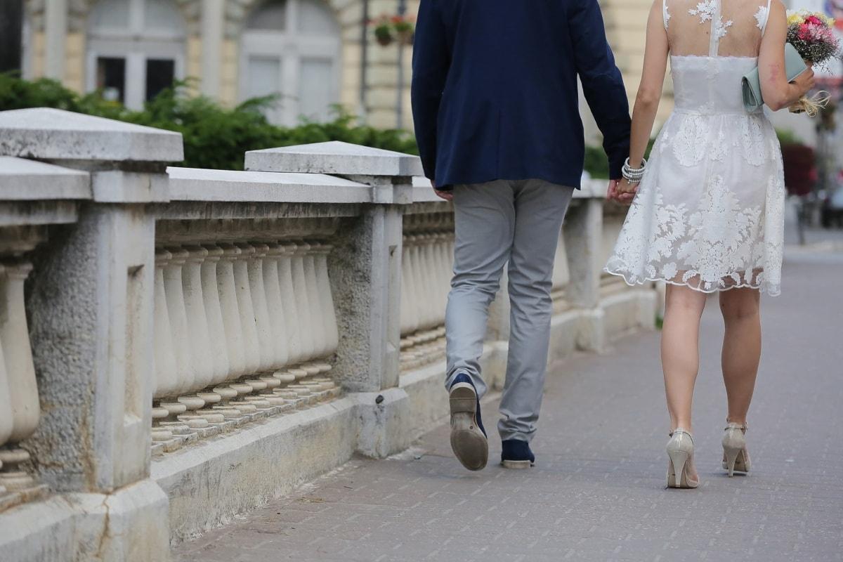 Hochzeit, Sandale, Schuhe, Hochzeitskleid, Hochzeitsstrauß, Fuß, Straße, Porträt, Frau, Menschen