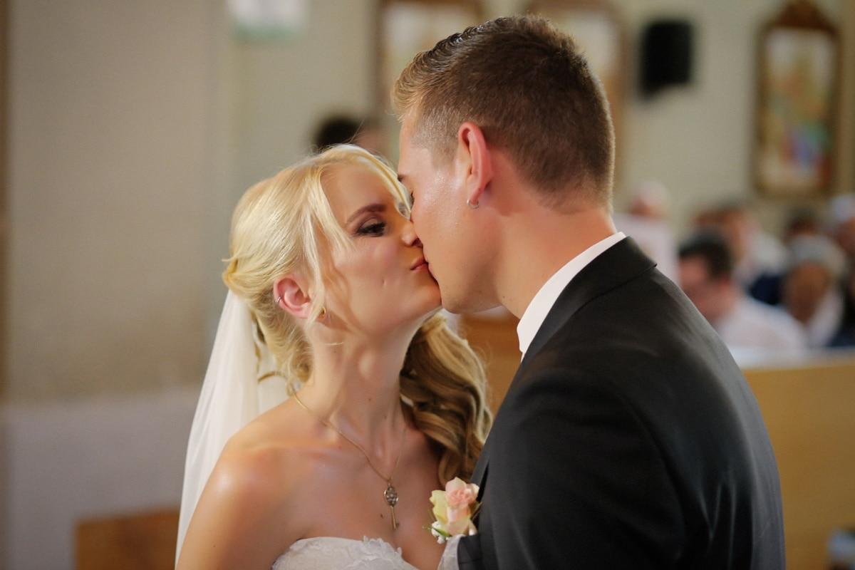 baiser, jeune marié, la mariée, amour, couple, homme, femme, mariage, famille, à l'intérieur