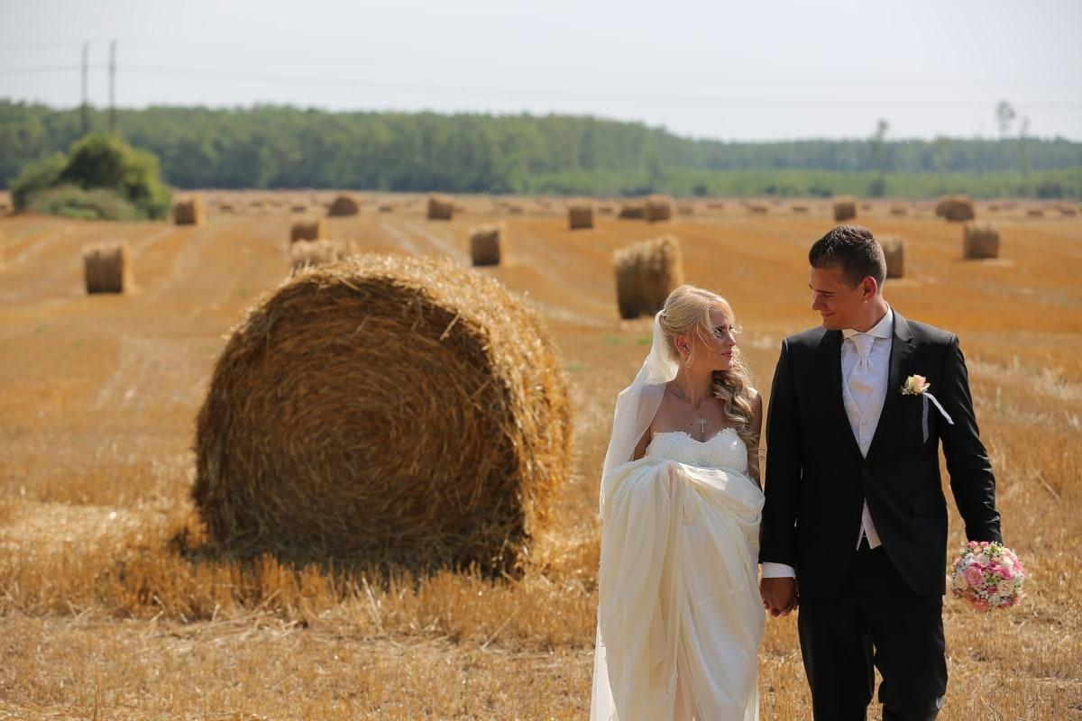 groom, bride, wheatfield, hay field, wedding bouquet, embrace, wedding dress, agriculture, feed, food