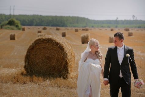 professional, wedding, photography, hay field, summer, agriculture, rural, harvest, hay, bale