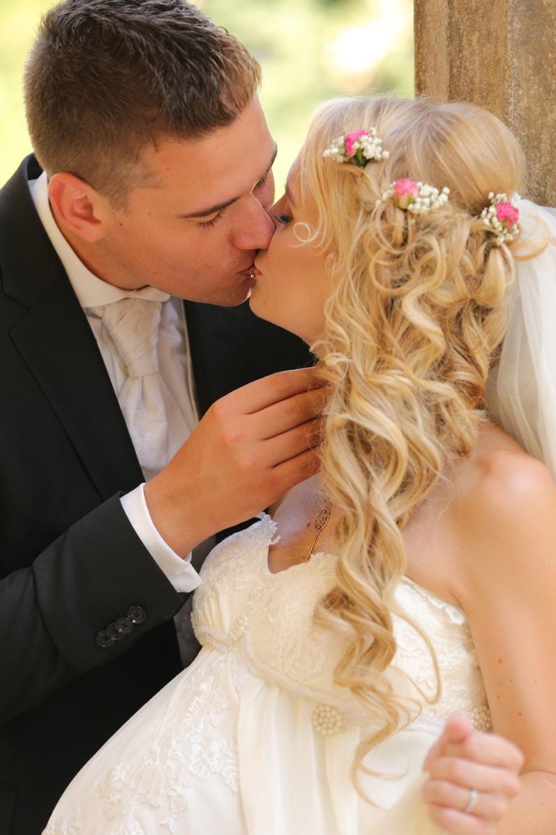 jeune femme, enceinte, grossesse, amour, magnifique, baiser, la mariée, mariage, engagement, femme