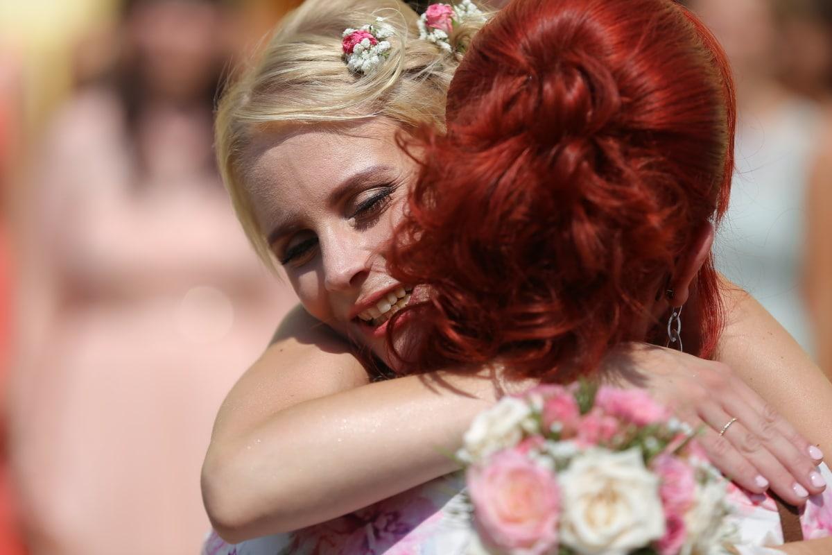 femmes, cheveux blonds, étreindre, Brunette, Coiffure, bonheur, joie, Dame, charme, Jolie fille