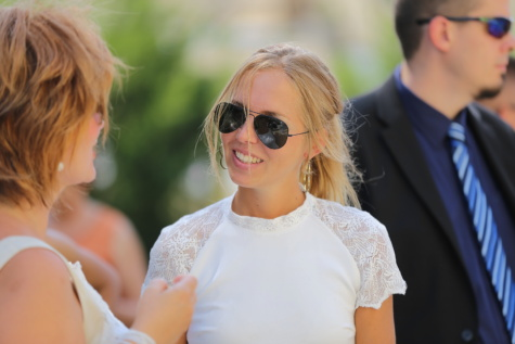 hairstyle, gorgeous, blonde hair, pretty girl, dress, meeting, conversation, woman, attractive, sunglasses