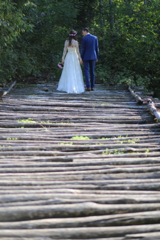 wooden, bridge, walking, groom, bride, wedding dress, wedding bouquet, wedding, nature, people