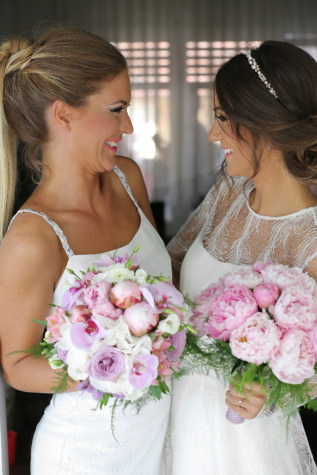 bride, sisters, friends, friendship, smile, wedding, pretty girl, family, wedding dress, bouquet
