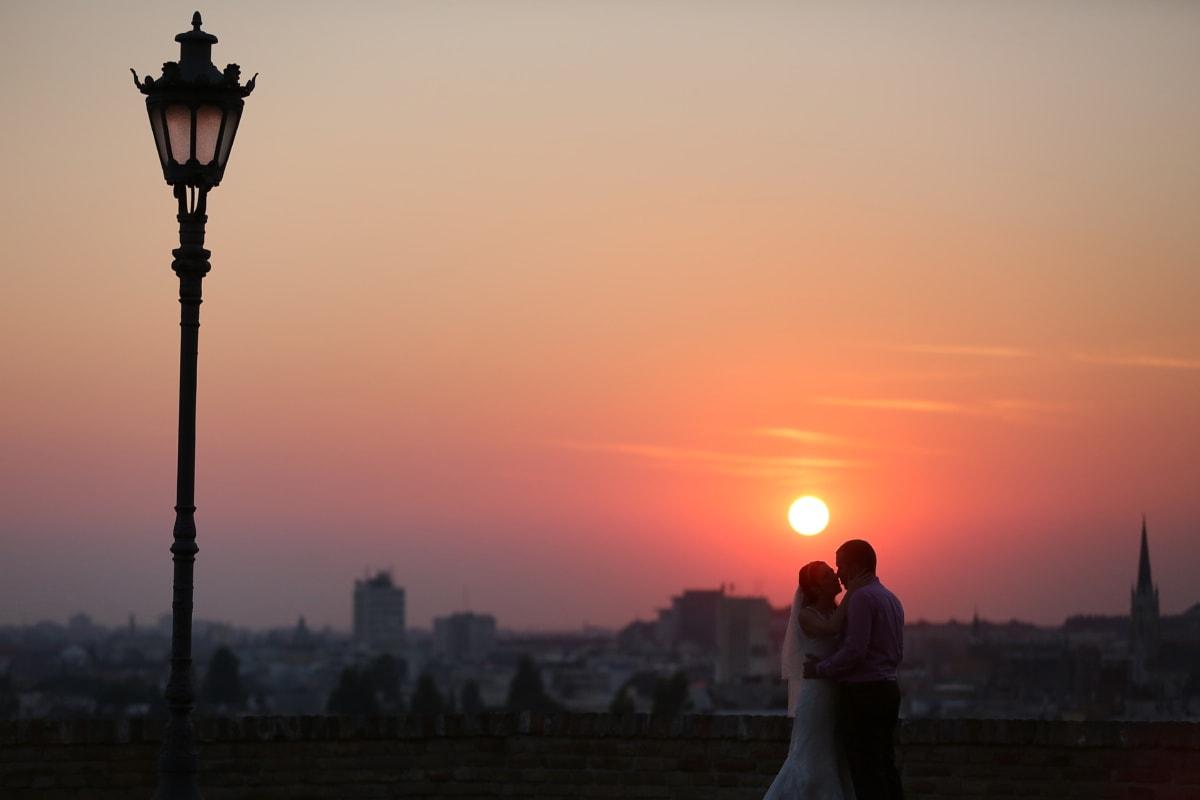 Panorama, paysage urbain, amour, coucher de soleil, soleil, silhouette, aube, crépuscule, soirée, romance