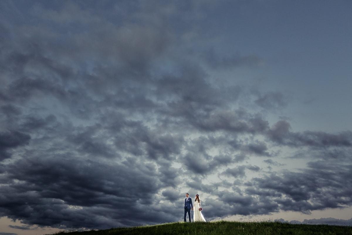 Braut, schlechtes Wetter, Hügel, Bräutigam, Sturm, Zweisamkeit, dramatisch, spektakuläre, Sonnenuntergang, Natur