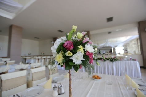 wedding venue, wedding bouquet, arrangement, table, bouquet, decoration, flowers, interior, furniture, room