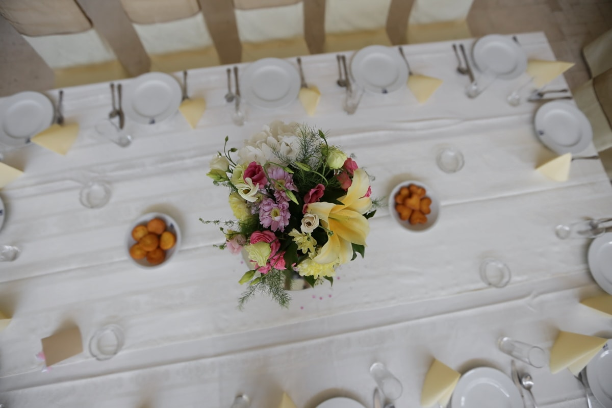 lunch, lunchroom, dining area, flower, flowers, table, porcelain, bouquet, decoration, dinner