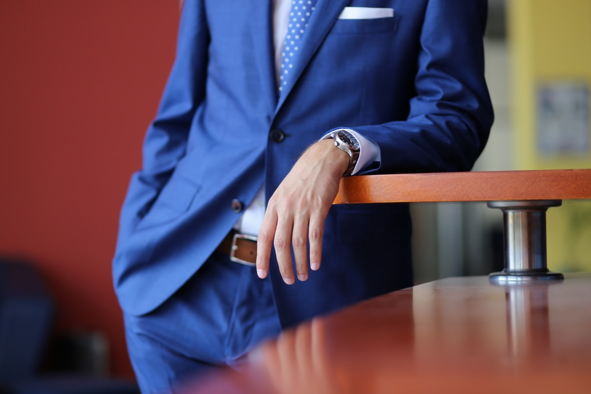 leader, businessman, manager, businessperson, tie, suit, business, person, professional, man