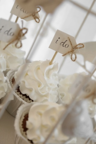 cupcake, wedding, decoration, dessert, cream, romance, love, sugar, indoors, traditional
