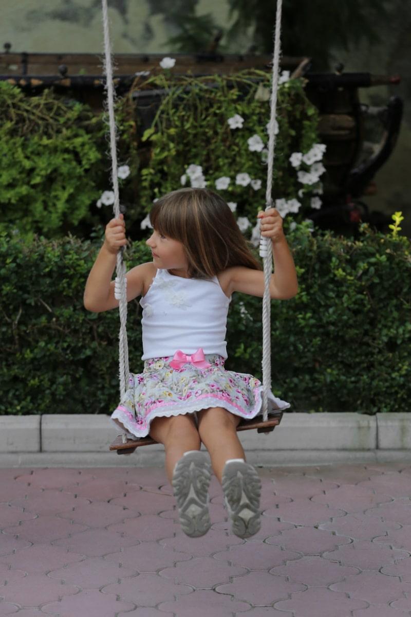 enfant, Swing, Jolie fille, aire de jeux, jouissance, corde, bonheur, petite enfance, amusement, jeune fille