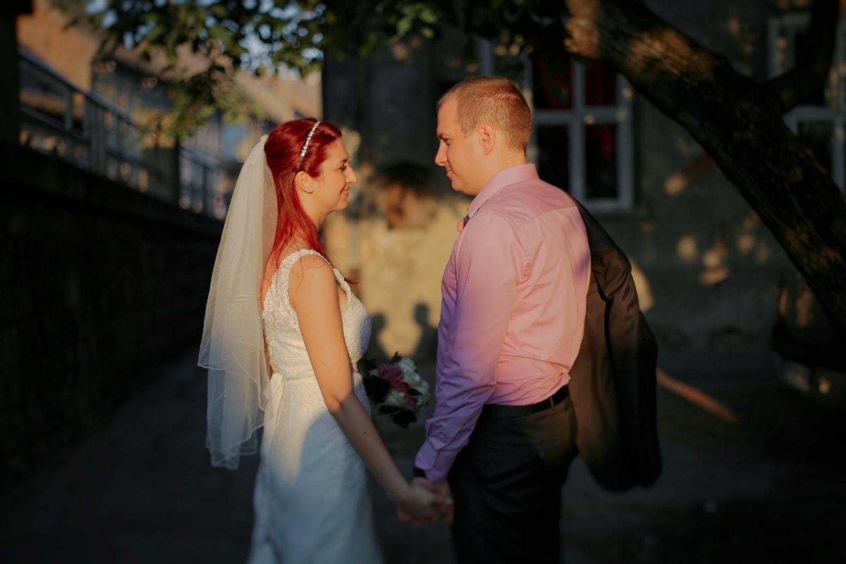 la mariée, lever du soleil, jeune marié, ombre, femme, amour, mariage, homme, romance, mode