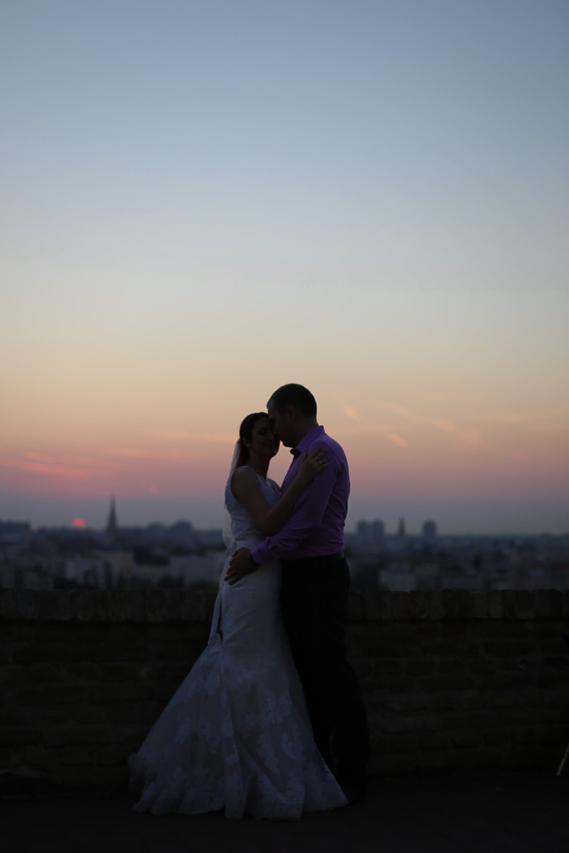 femme, mari, lever du soleil, la mariée, étreindre, paysage urbain, Panorama, baiser, romance, mariage
