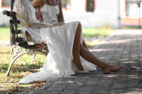 legs, barefoot, foot, feet, elegance, glamour, wedding dress, relaxing, relaxation, bride