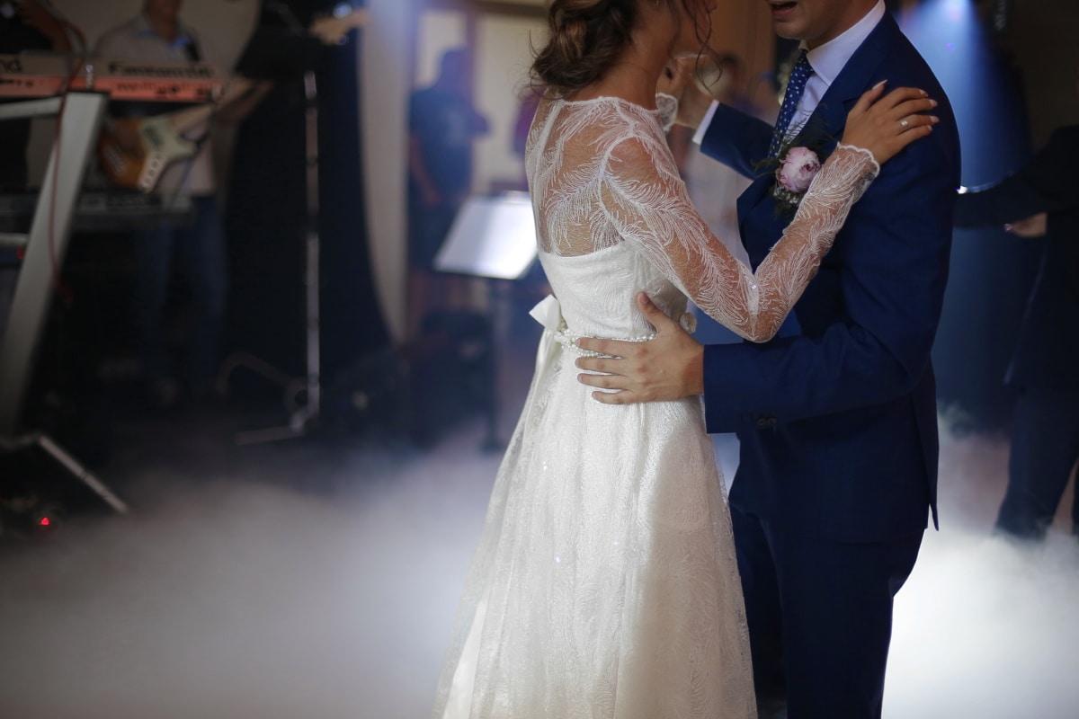 la mariée, gentilhomme, danse, Dame, danse, jeune marié, mariage, attacher, costume, robe de mariée