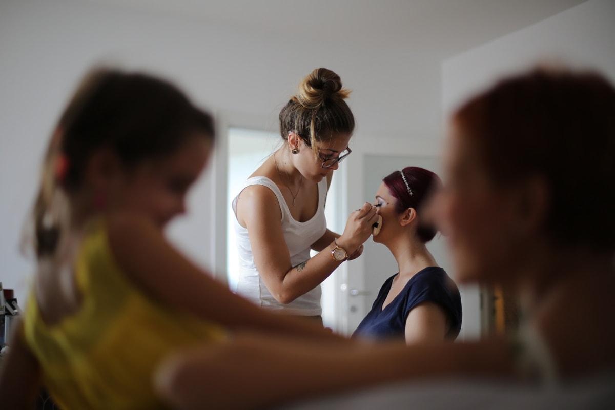 Kosmetikerin, Make-up, Friseur, Frisur, Kosmetik, Mädchen, drinnen, Mädchen, Frau, Menschen