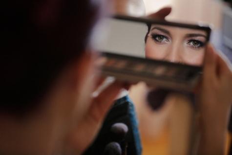 skönhet, kosmetolog, kosmetika, reflektion, ung kvinna, spegel, ögon, makeup, kvinna, personer