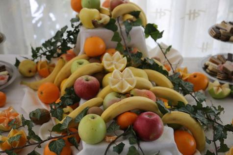 bufet, citrus, citrón, raňajky, jablká, sušienky, banán, ovocie, pomaranče, jedlo