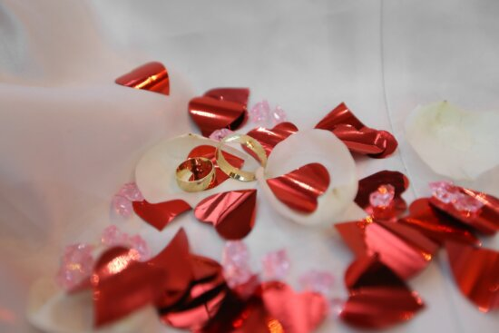 gold, rings, hearts, love, Valentine's day, shining, decoration, decorative, heart, red