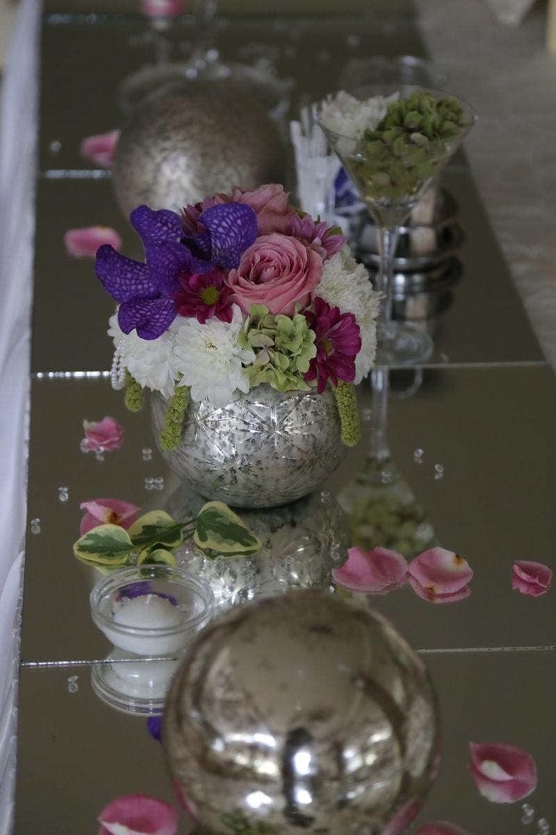 wedding venue, vase, decoration, table, elegant, mirror, bouquet, flower, arrangement, wedding
