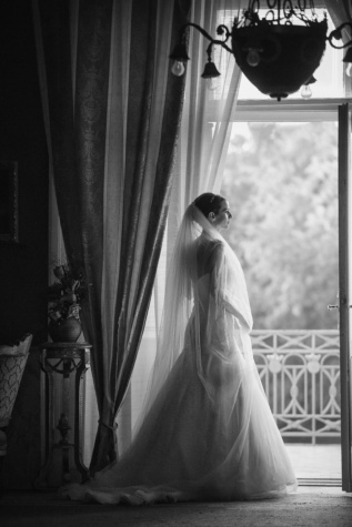 wedding dress, balcony, bride, luxury, wait, living room, people, wedding, dress, monochrome