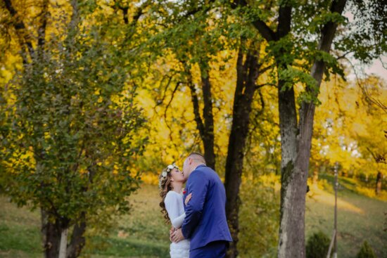 bride, groom, kiss, countryside, outdoors, poplar, forest, autumn, leaf, yellow