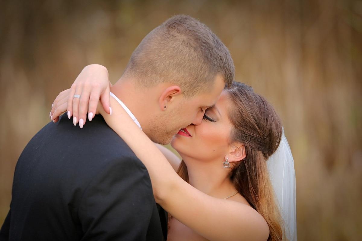 Kuss, hübsches mädchen, junge Frau, gut aussehend, Mann, Porträt, glücklich, im freien, Glück, Menschen