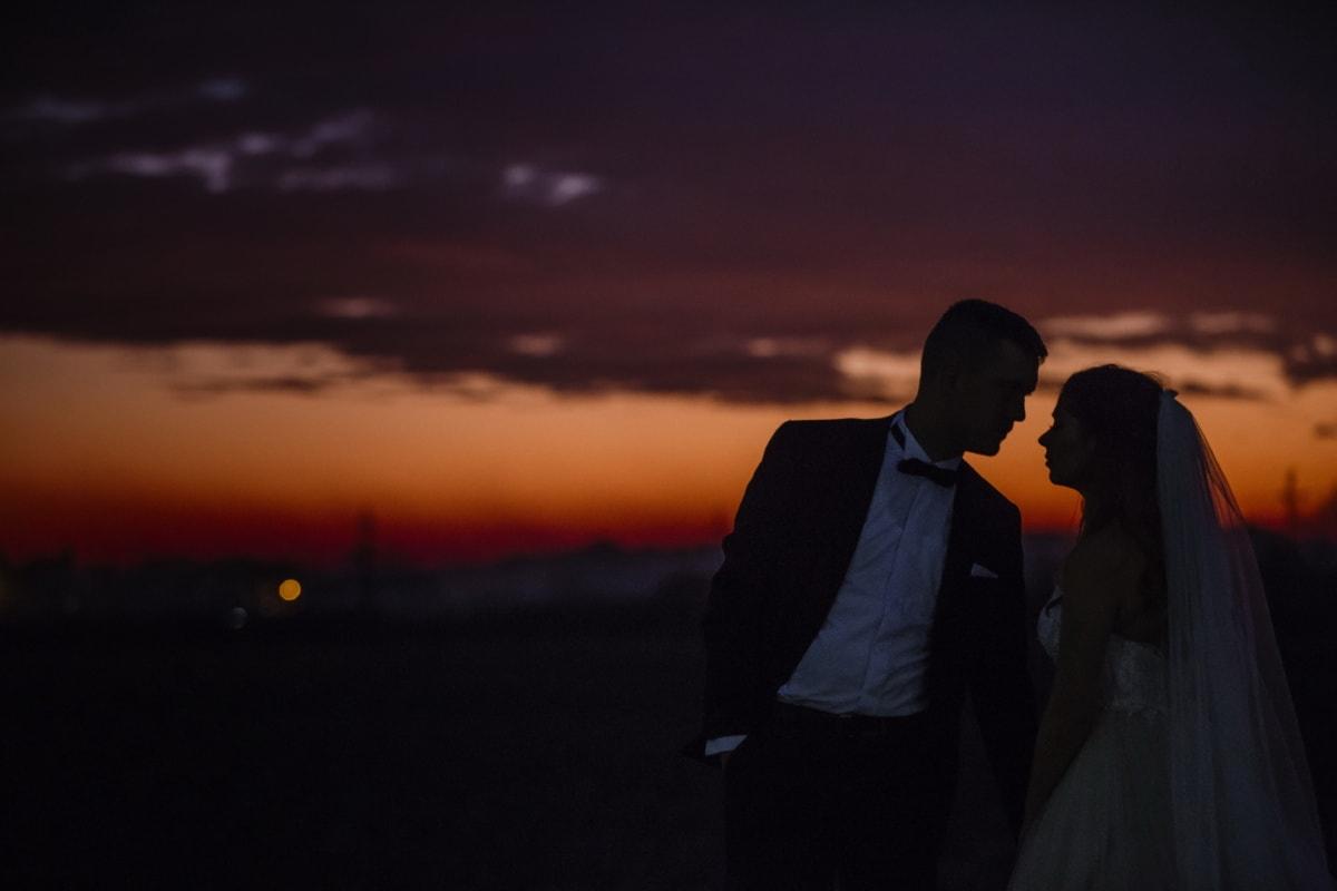 Sonnenuntergang, Romantik, Braut, Umarmung, Bräutigam, Zuneigung, Liebe, Sonne, Hochzeit, Dämmerung