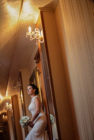 anteroom, luxury, hotel, bride, wedding bouquet, wedding dress, gorgeous, elegance, wedding, woman