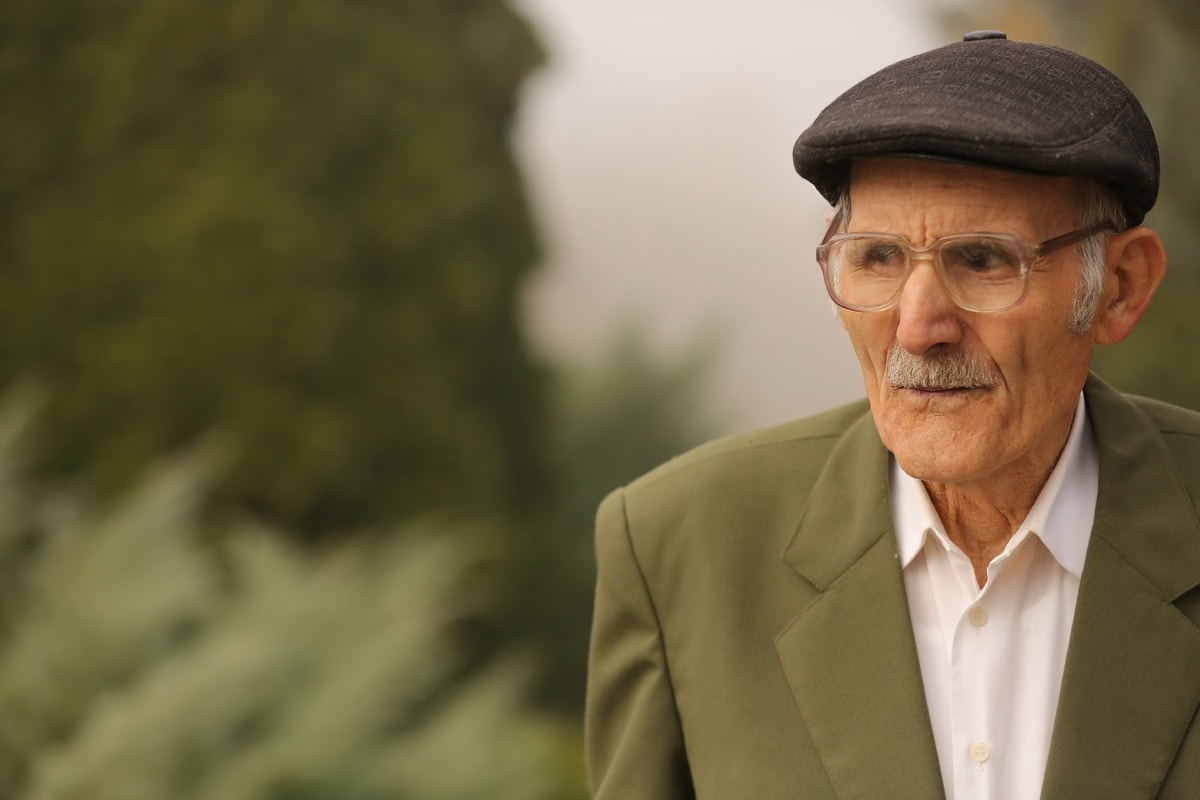 vieil homme, personnes âgées, lunettes de vue, WRINKLE, moustache, chapeau, peau, mode, costume, pensionné