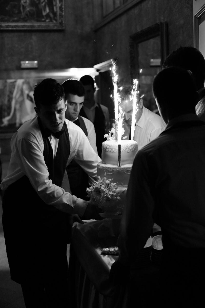 barman, gâteau de mariage, restaurant, salle de mariage, gens, employé, homme, Groupe, mariage, cérémonie