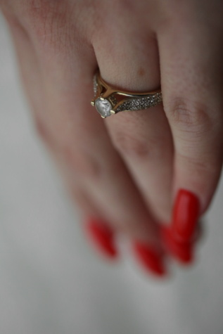 ring, diamond, finger, close-up, jewel, gold, jewelry, body, skin, health