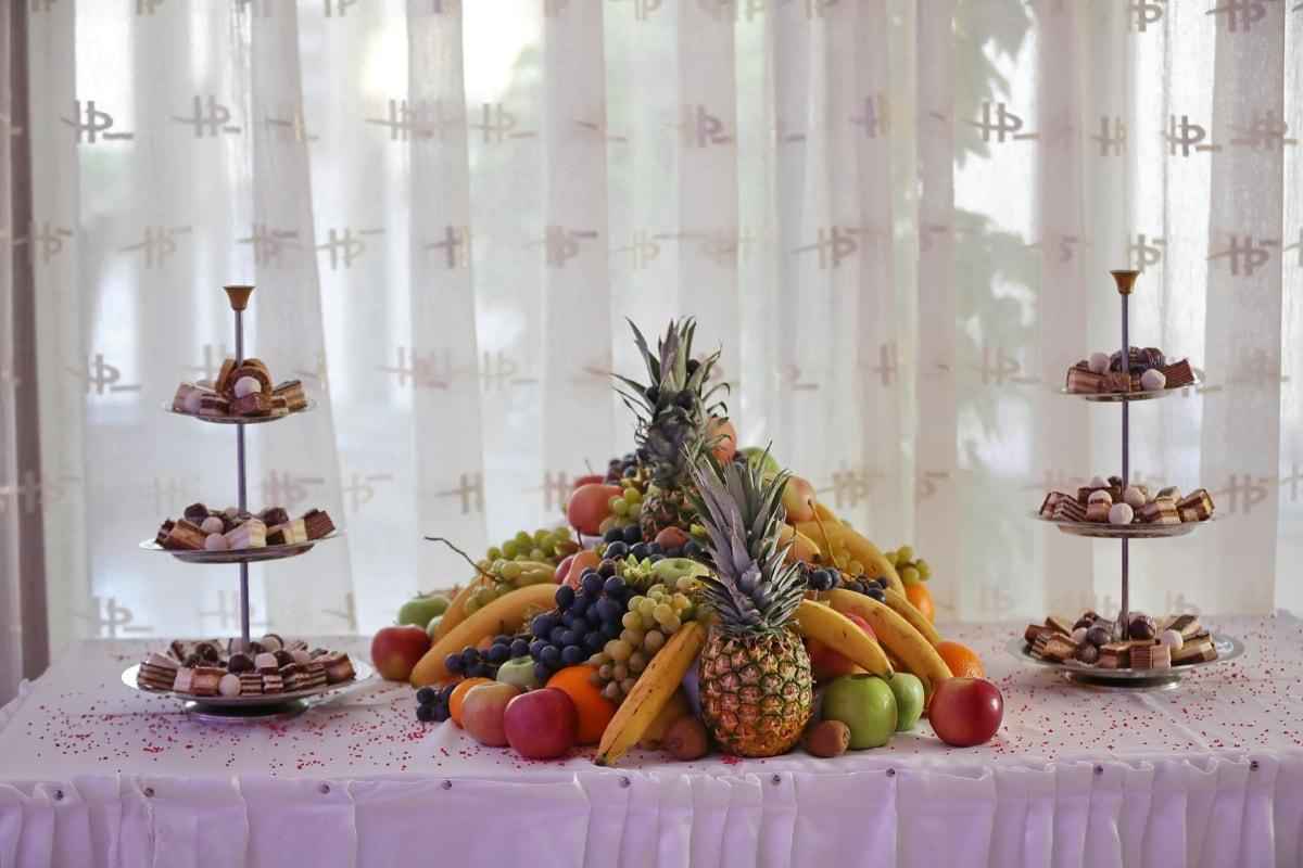 salad bar, food, cookies, fruit, buffet, apples, kiwi, grapes, peach, pineapple