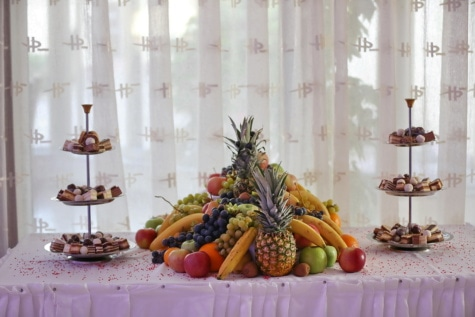 salad bar, food, cookies, fruit, buffet, apples, kiwi, grapes, peach, pineapple