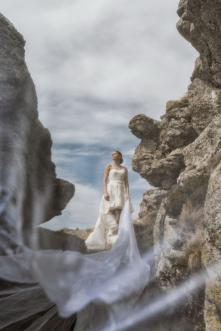 image, photomontage, wedding, bride, posing, wedding dress, rocks, cliff, landscape, rock
