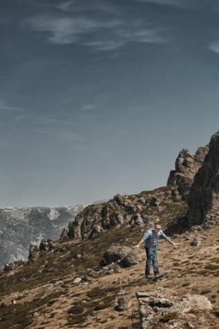 planinarski penjač, planinski predeo, planinarenje, planine, izlet, planinar, penjač, penjanje, linija, stijena