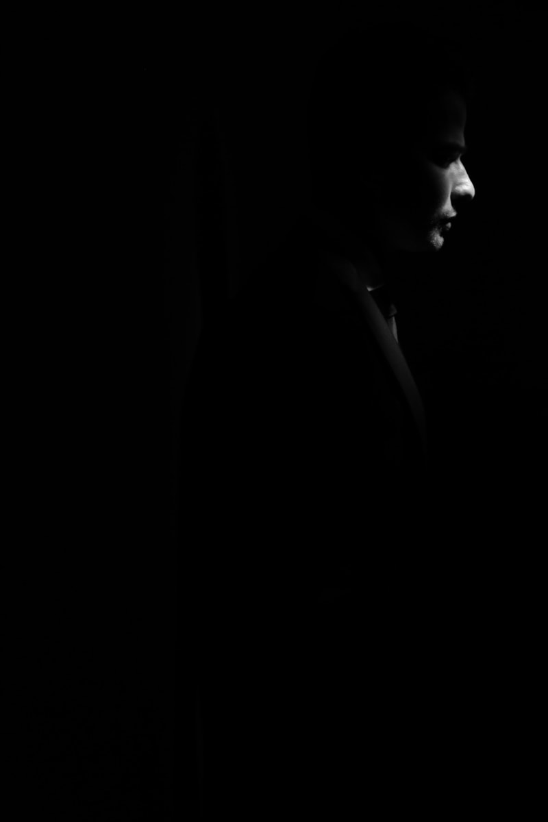 photo model, photography, professional, photo studio, dark, darkness, shadow, man, black, silhouette