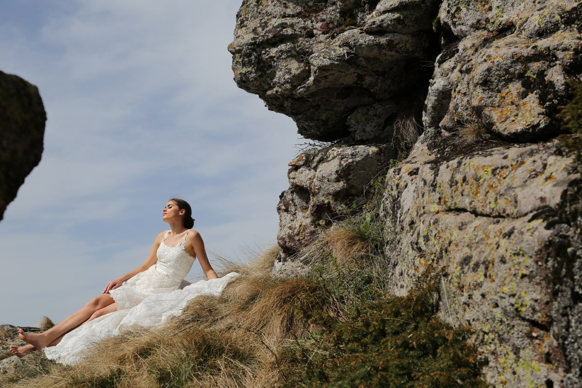 mountaineer, young woman, relaxation, sunny, enjoyment, outdoor, ecology, cliff, wedding, nature