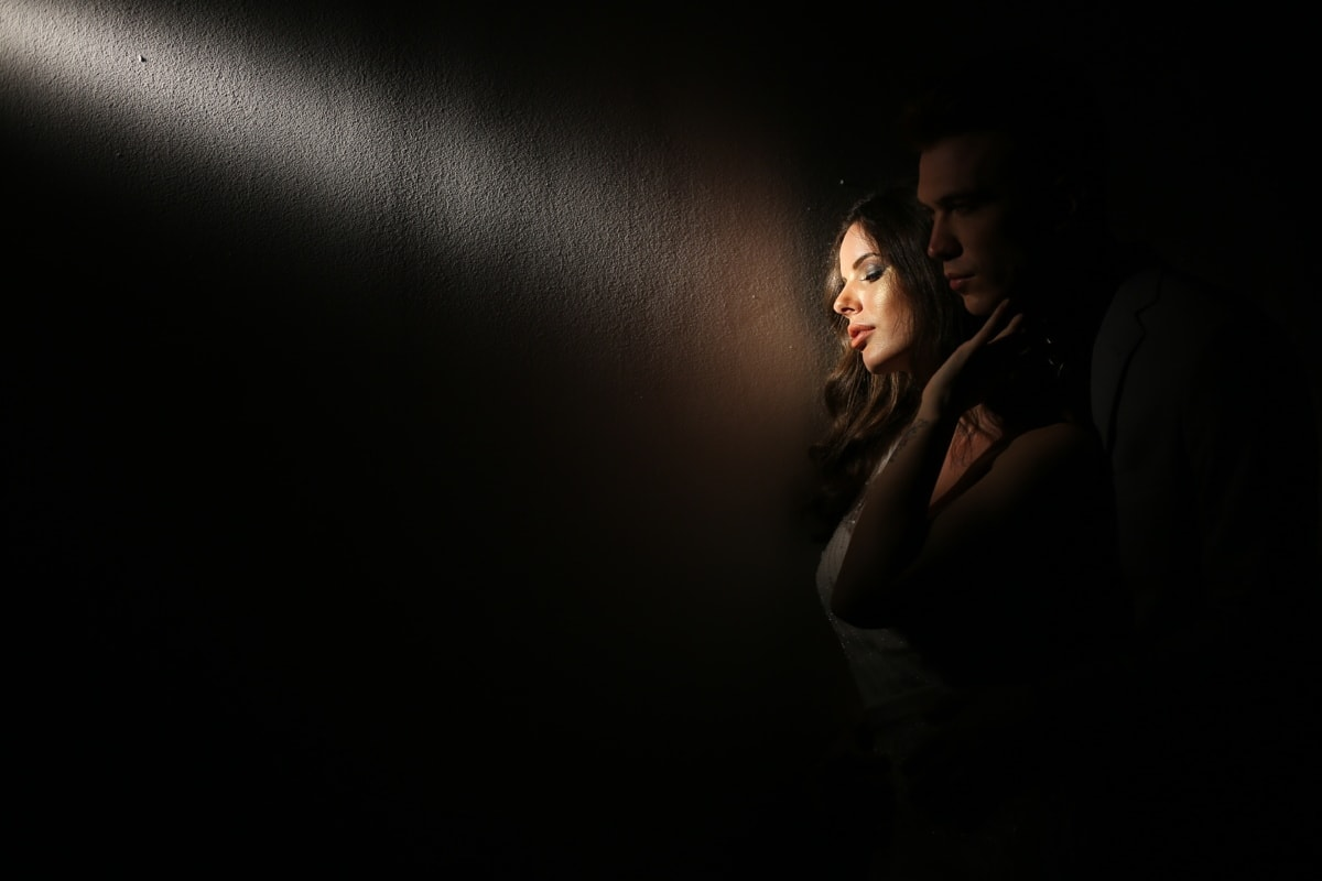 magnifique, Jolie fille, homme, Beau, posant, Spotlight, attrayant, modèle, Portrait, noir