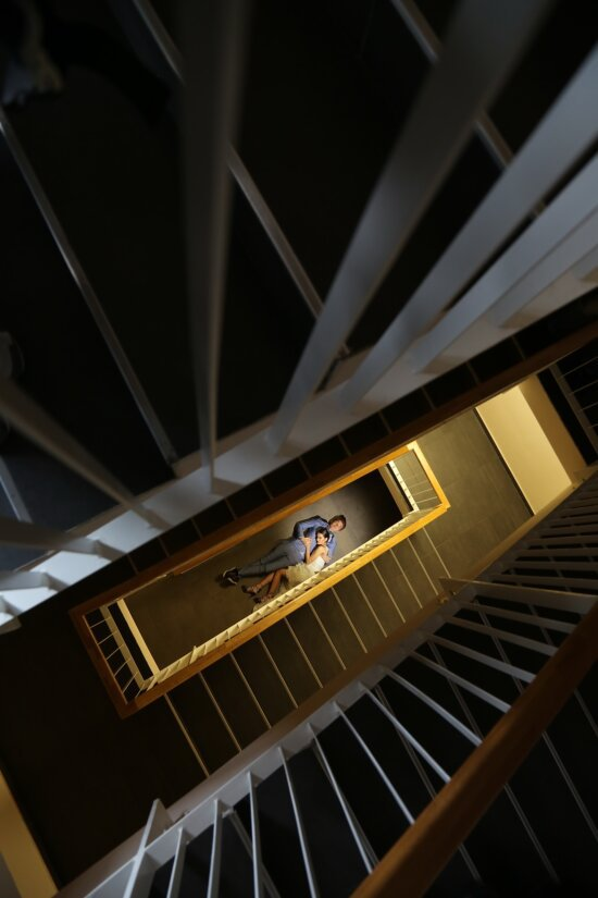 embrace, distance, wife, laying, husband, staircase, device, step, city, architecture